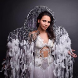 Myriam Bouskour chanteuse d'opéra et chanteuse lyrique membre du Free Spirit project
